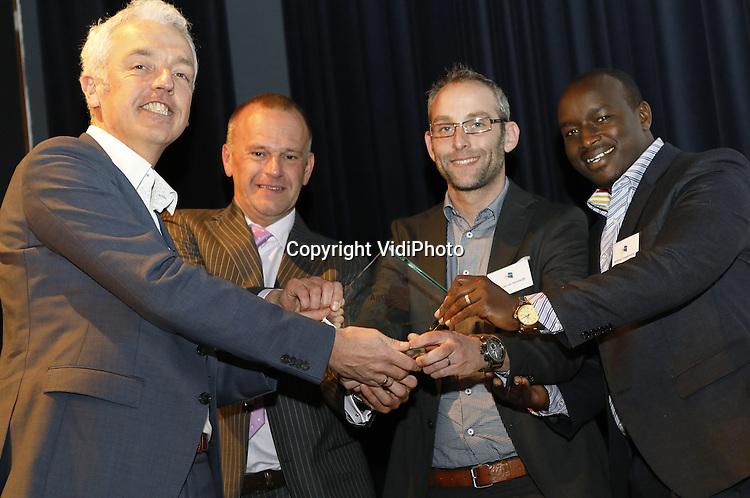 Foto: VidiPhoto<br /> <br /> EDE - Tijdens Exange Day van Agriterra, woensdag in de Reehorst in Ede, heeft het team van Kenia de eerste prijs in ontvangst genomen.