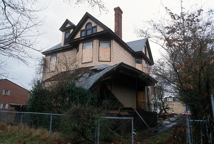 1994 April 20..Conservation.Park Place..ACQUISITION.310 WEST 29TH STREET...NEG#.NRHA#..