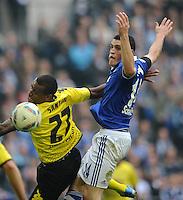 FUSSBALL   1. BUNDESLIGA   SAISON 2011/2012   31. SPIELTAG FC Schalke 04 - Borussia Dortmund                      14.04.2012 Felipe Santana (li, Borussia Dortmund)  gegen Kyriakos Papadopoulos (re, FC Schalke 04)