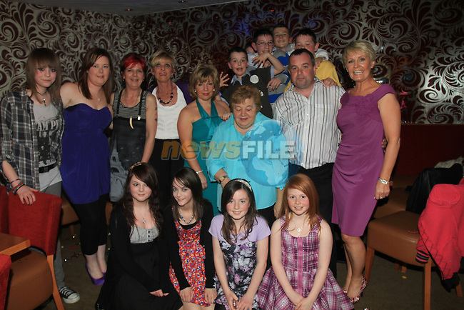 Kenneth Tracey 40th in Harrys Bar 0879949566.and Family.Picture Fran Caffrey/Newsfile.ie