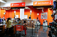 New York, USA. 19 August 2014. People pay their bill on the cashiers while Home Depot company prepares its Quarterly results at the Stock Exchange in New York.  Eduardo Muñoz Alvarez/VIEWpress