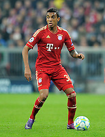 FUSSBALL   CHAMPIONS LEAGUE   SAISON 2011/2012   ACHTELFINALE RUECKSPIEL     13.03.2012 FC Bayern Muenchen - FC Basel        Luiz Gustavo (FC Bayern Muenchen)  am Ball