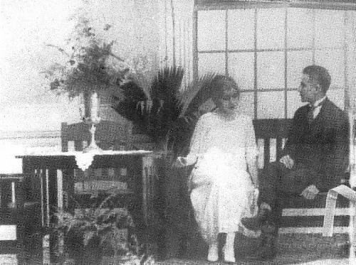 Pedro Troncoso y Delia Weber. Una escena de Las Emboscadas de Cupido. © René Fortunato.  Escritos sobre cine.j