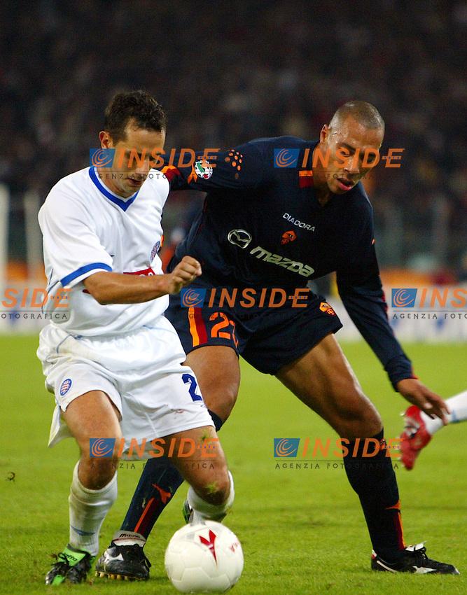 Roma 6/11/2003 Uefa Cup / Coppa Uefa <br /> Roma Hajduk split 1-0 <br /> Tomislav Rukavina (Hajduk) John Carew (Roma)<br /> Foto Andrea Staccioli Insidefoto