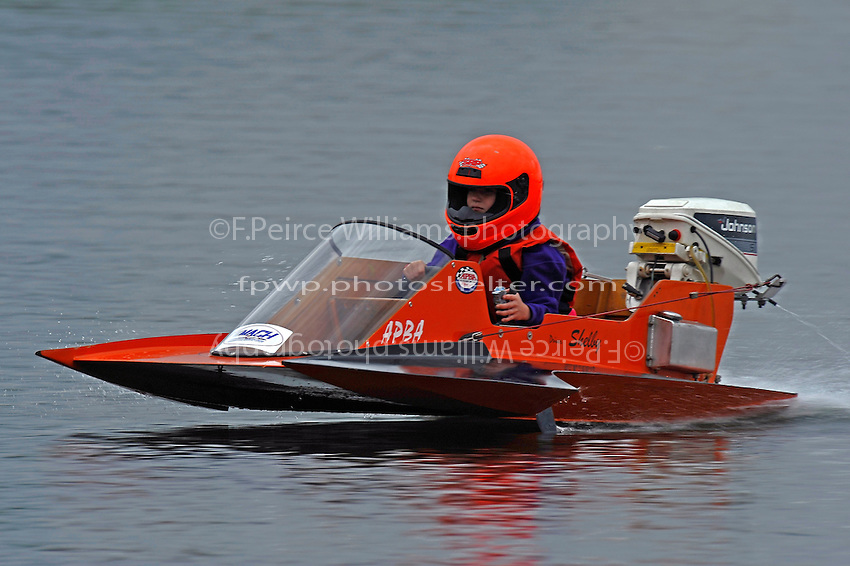 Shelby Bowsher daughter of Sean Bowsher Y-52 in her J-Stock Hydro