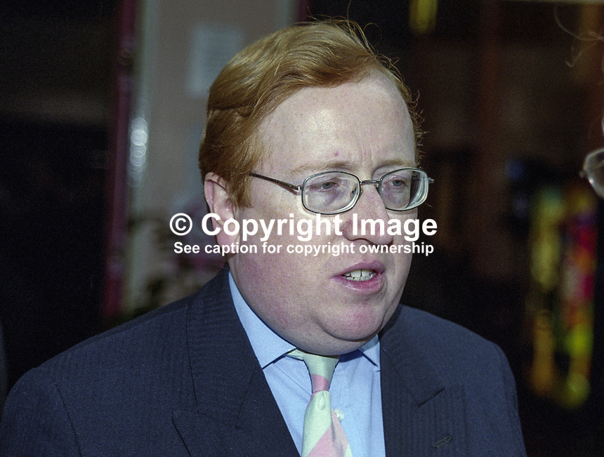 Simon Heffer, journalist, author, UK, 199910033..Copyright Image from Victor Patterson, 54 Dorchester Park, Belfast, United Kingdom, UK. Tel: +44 28 90661296. Email: victorpatterson@me.com..For my Terms and Conditions of Use go to http://www.victorpatterson.com/Terms_%26_Conditions.html