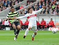 FUSSBALL  1. BUNDESLIGA  SAISON 2011/2012  29. Spieltag   07.04.2012 VfB Stuttgart - 1. FSV Mainz Gotoku Sakai (re, VfB Stuttgart) gegen Eric Choupo - Moting (1. FSV Mainz 05)