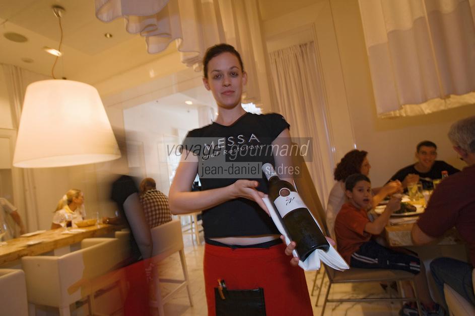 "Asie/Israel/Tel-Aviv-Jaffa: Service du vin au Restaurant ""Messa"" Rehov Ha'arba'a 19 Millénium Towers- design Alex Mitlis"