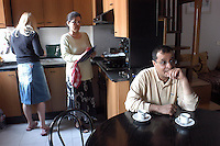 VEDANO AL LAMBRO (MB) Italy: la famiglia di MOSTAFA.JMAALI ( Marocco, 1959), con la moglie AICHA ZERRAB.( Marocco 1960 ) e la nuora ERICA VERMEER (Olanda 1983 ) .VEDANO AL LAMBRO (MB): The family of MOSTAFA.JMAALI (Morocco, 1959), with his wife AICHA ZERRAB.(Morocco 1960), and the daughter in law ERICA VERMEER (Holland 1983)