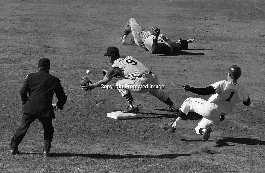 San Francisco Giants bs Pittsburg Pirates, 1968<br />(photo Ron Riesterer)