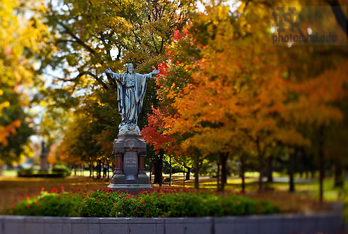 Jesus statue on Main Quad..Photo by Matt Cashore/University of Notre Dame