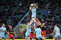 Phil Dowson of Worcester Warriors wins the ball at a lineout. Aviva Premiership match, between Saracens and Worcester Warriors on November 28, 2015 at Twickenham Stadium in London, England. Photo by: Patrick Khachfe / JMP