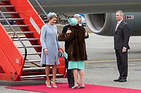 Le roi Philippe de Belgique et la reine Mathilde de Belgique en visite d'Etat au Danemark, sont accueillis  par le prince h&eacute;ritier Joachim de Danemark, la princesse Marie de Danemark, le prince Frederik de Danemark, la princesse Mary de Danemark et la reine Margrethe II de Danemark, &agrave;  leur arriv&eacute;e &agrave; l'a&eacute;roport de Copenhague.<br /> Danemark, Copenhague, 28 mars 2017.<br /> King Philippe of Belgium &amp; Queen Mathilde of Belgium during a State Visit to Copenhagen in Denmark - Official Welcome at Copenhagen Airport by Crown Prince Joachim of Denmark, Princess Marie of Denmark, Princess Mary of Denmark, Prince Frederik of Denmark and Queen Margrethe II  of Denmark.<br /> Denmark, Copenhagen, March 28, 2017.