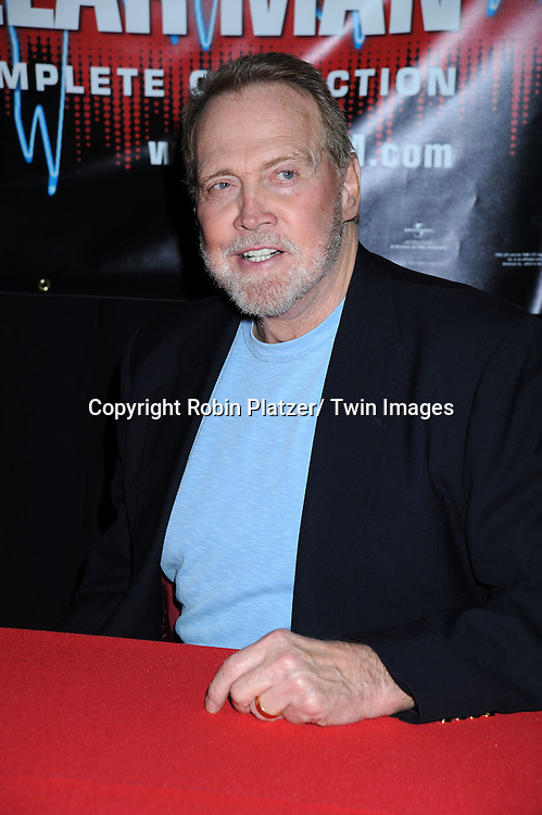 Lee Majors at the 2010 Wizard World Big Apple Comic Con on October 2