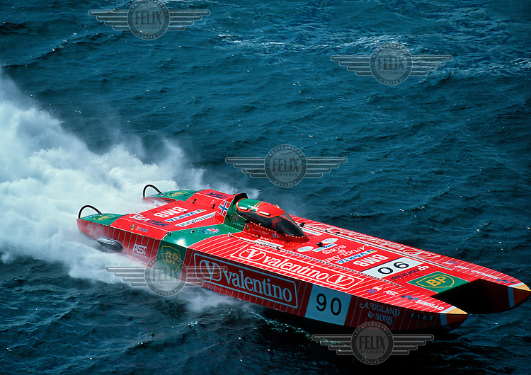 Off shore racing, boat piloted by Andreas Ove Ugland. © Fredrik Naumann