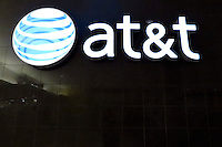 New York, United States. 19th May 2014 -AT&T store in Jersey City, New Jersey. Photo by Eduardo MunozAlvarez/VIEW