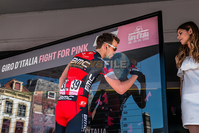 ZABEL Rick from Germany of BMC Racing Team (USA) signing in before the start at Nijmegen, stage 3 from Nijmegen to Arnhem running 190 km of the 99th Giro d'Italia (UCI WorldTour), The Netherlands, 8 May 2016. Photo by Pim Nijland / PelotonPhotos.com | All photos usage must carry mandatory copyright credit (Peloton Photos | Pim Nijland)