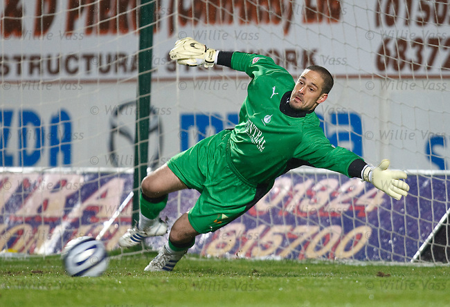 Dani Mallo can't keep out Craig Conway's penalty
