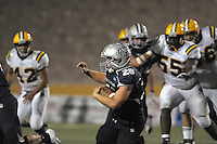 La Cueva vs Mayfield.  Friday Sept. 30, 2011. (Pat Vasquez-Cunningham/Journal)