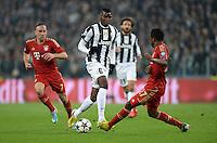 FUSSBALL  CHAMPIONS LEAGUE  VIERTELFINALE  RUECKSPIEL  2012/2013      Juventus Turin - FC Bayern Muenchen        10.04.2013 Paul Pogba (li, Juventus Turin) gegen Franck Ribery (FC Bayern Muenchen) und David Alaba (re, beide FC Bayern Muenchen)