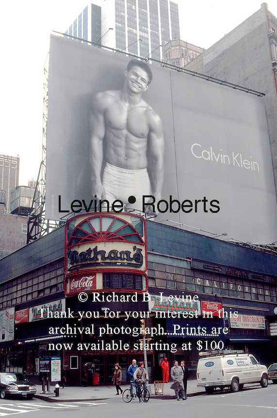 MARKY MARK IN CALVIN KLEIN ADVERTISEMENT | Richard Levine ... Mark Wahlberg