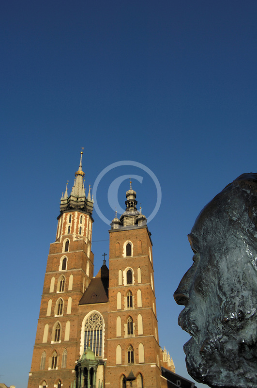 Poland, Krakow, St. Mary's Church, Rynek Glowny, Grand Square, with statue