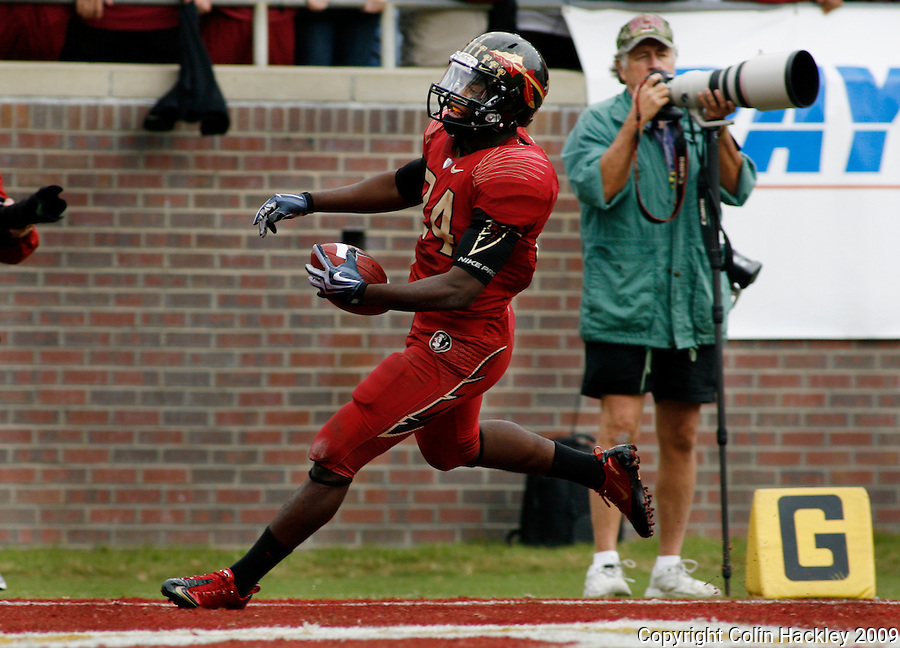 TALLAHASSEE, FL 11/21/09-FSU-MARY FB09 CH42-Florida State's Lonnie Pryor completes his 50-yard dash to the endzone against Maryland during first half action Saturday at Doak Campbell Stadium in Tallahassee. .COLIN HACKLEY PHOTO