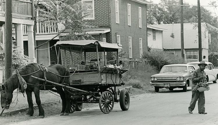 1966 October 17..Historical...Vegetable Cart on Cedar Street off Wilson Road..Sam McKay.NEG# SLM66-8-7.NRHA# 4192..