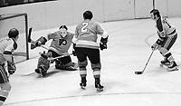 California Golden Seals Bobby Sheehan scores against the Philadelphia Flyers. (1971 photo/Ron Riesterer)