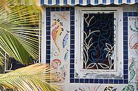 France/DOM/Martinique/Saint-Pierre: Détail décoration d'une façace du front de mer , habitat traditionnel