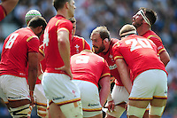 Alun Wyn Jones of Wales speaks to his team-mates in a huddle. Old Mutual Wealth Cup International match between England and Wales on May 29, 2016 at Twickenham Stadium in London, England. Photo by: Patrick Khachfe / Onside Images