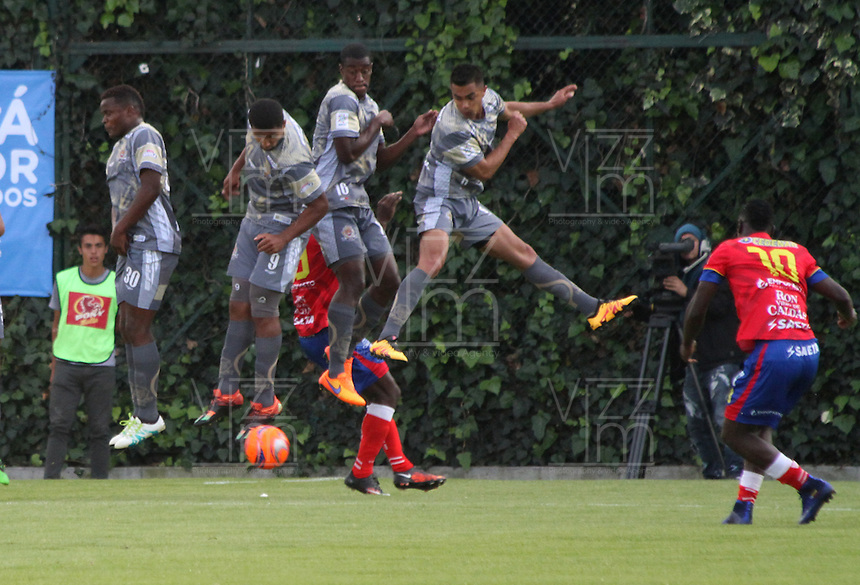 BOGOTA -COLOMBIA, 14-02-2017.Action game between  Tigres FC  and Deportivo Pasto  during match for the date 3 of the Aguila League I 2017 played at Metropolitano de Techo stadium . Photo:VizzorImage / Felipe Caicedo  / Staff