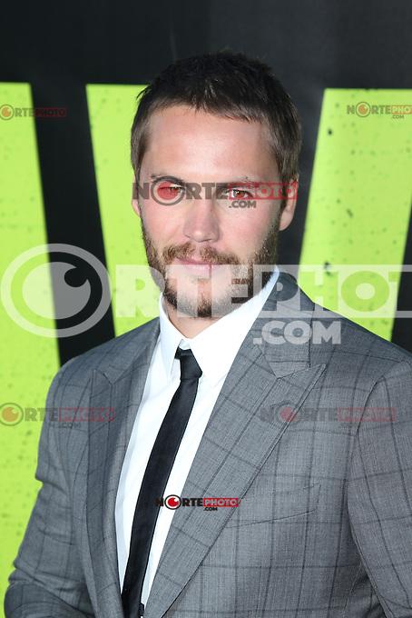 Taylor Kitsch at the Premiere of Universal Pictures' 'Savages' at Westwood Village on June 25, 2012 in Los Angeles, California. &copy;&nbsp;mpi21/MediaPunch Inc. /&Acirc;&uml;NORTEPHOTO&Acirc;&uml;<br /> **SOLO*VENTA*EN*MEXICO** **CREDITO*OBLIGATORIO** *No*Venta*A*Terceros* *No*Sale*So*third* *** No Se Permite Hacer Archivo** *No*Sale*So*third*&Acirc;&copy;Imagenes con derechos de autor,&Acirc;&copy;todos reservados. El uso de las imagenes est&Atilde;&iexcl; sujeta de pago a nortephoto.com El uso no autorizado de esta imagen en cualquier materia est&Atilde;&iexcl; sujeta a una pena de tasa de 2 veces a la normal. Para m&Atilde;&iexcl;s informaci&Atilde;&sup3;n: nortephoto@gmail.com* nortephoto.com.