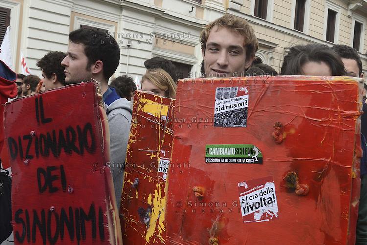Roma, 27 Ottobre 2012.Manifestazione contro i tagli e la politica del governo Monti.