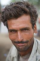 Truck cleaner - Bikaner, India