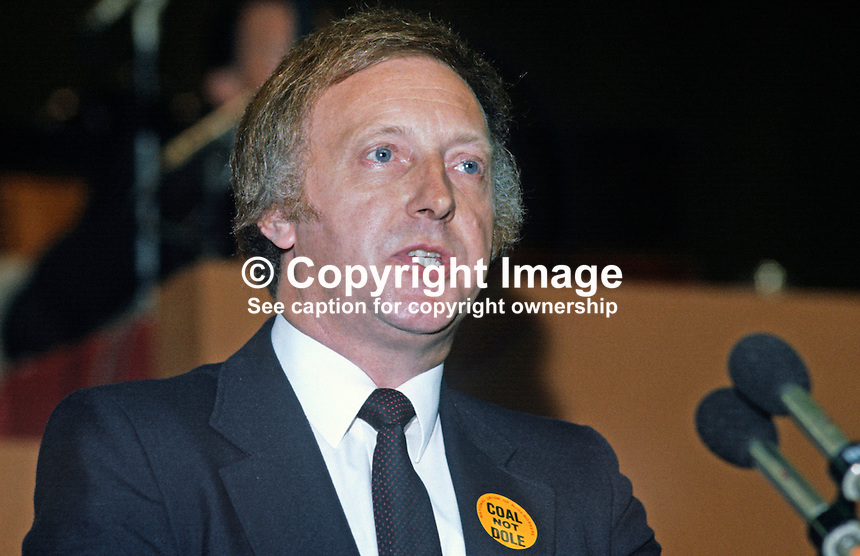 Arthur Scargill, president, National Union of Mineworkers, trade union, UK, speaking at Trades Union Congress annual conference 1984. 19840102AS4.<br /> <br /> Copyright Image from Victor Patterson, 54 Dorchester Park, Belfast, UK, BT9 6RJ<br /> <br /> t: +44 28 90661296<br /> m: +44 7802 353836<br /> vm: +44 20 88167153<br /> e1: victorpatterson@me.com<br /> e2: victorpatterson@gmail.com<br /> <br /> For my Terms and Conditions of Use go to www.victorpatterson.com