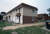 1992 May 01..Assisted Housing..Oakleaf Forest...Exteriors.West Side of Greenleaf Drive...NEG#.NRHA#..HOUSING:OaklfF 1 1:14
