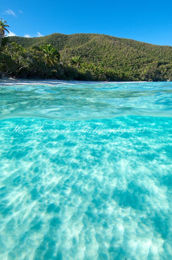 Split level of Trunk Bay<br /> Virgin Islands National Park<br /> St. John<br /> U.S. Virgin Islands
