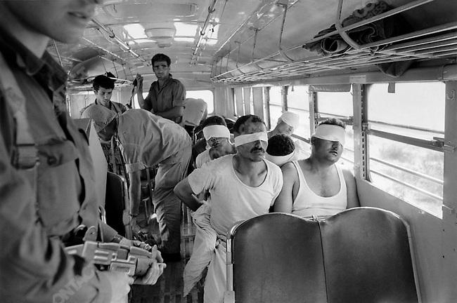 Six Day War, Egyptian soldiers taken prisoners in the Sinai desert, June 1967
