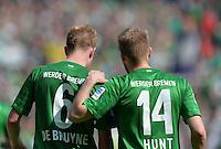 FUSSBALL   1. BUNDESLIGA   SAISON 2012/2013    32. SPIELTAG SV Werder Bremen - TSG 1899 Hoffenheim             04.05.2013 Kevin De Bruyne (li) und Aaron Hunt (re, beide SV Werder Bremen) im Gespraech