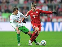 FUSSBALL   1. BUNDESLIGA  SAISON 2011/2012   15. Spieltag FC Bayern Muenchen - SV Werder Bremen        03.12.2011 Philipp Bargfrede (li, SV Werder Bremen)  gegen Toni Kroos (FC Bayern Muenchen)