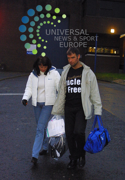 Tommy Sheridan leaves Greenock Prison with his wife in the early hours of the morning..Pic: Maurice McDonald.