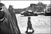 Kabul, August - September 2002 Afghanistan<br /> After 23 years of constant war Afghanistan tries to stand on its feet. There is a feeling of relative peace in the country. Life slowly returns to normal for the civilian population.<br /> ( &copy; Filip Cwik / Napo Images dla Newsweek Polska )<br /> <br /> Kabul sierpien - wrzesien 2002 Afganistan.<br /> Po 23 latach nieustajacych wojen Afganistan probuje stanac na nogi. W kraju panuje wzgledny pokoj. Ludnosc cywilna powoli wraca do normalnego zycia. <br /> ( &copy; Filip Cwik / Napo Images dla Newsweek Polska )