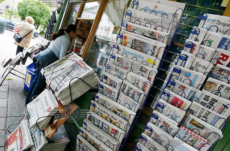 Norway 20030628 - Norwegian newspapers. Newspaper. Tabloid. Broadsheet. Photo: Torbjorn Gronning