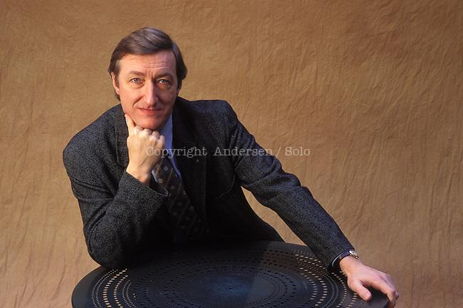 Julian Barnes in 1995.