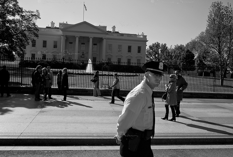 Washington DC, USA, October 23, 2008.Tourists in front of the White House.