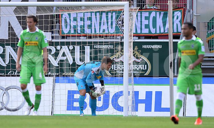 FUSSBALL  1. Bundesliga   2013/2014   Testspiel  FC Ingolstadt 04 - Borussia Moenchengladbach    13.07.2013 Torwart Janis Blaswich (Borussia Moenchengladbach) holt den Ball nach dem Tor zum 1-0 aus dem Netz