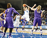 UK guard Jennifer O'Neill shoots during the first half of the women's basketball game vs. LSU Memorial Coliseum , in Lexington, Ky., on Sunday, January 27, 2013. Photo by Genevieve Adams  | Staff.