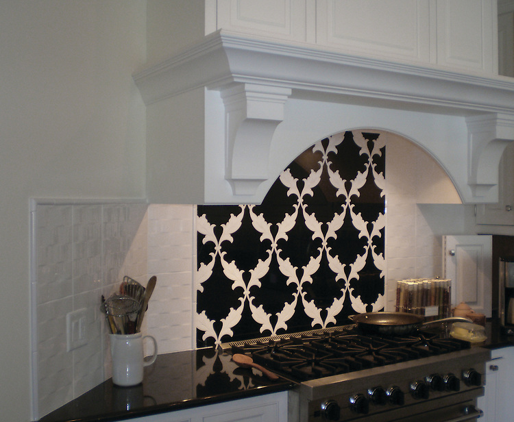 Tamara, a stone waterjet mosaic shown in Nero Marquina and Thassos, is part of the Silk Road Collection by Sara Baldwin for New Ravenna Mosaics.