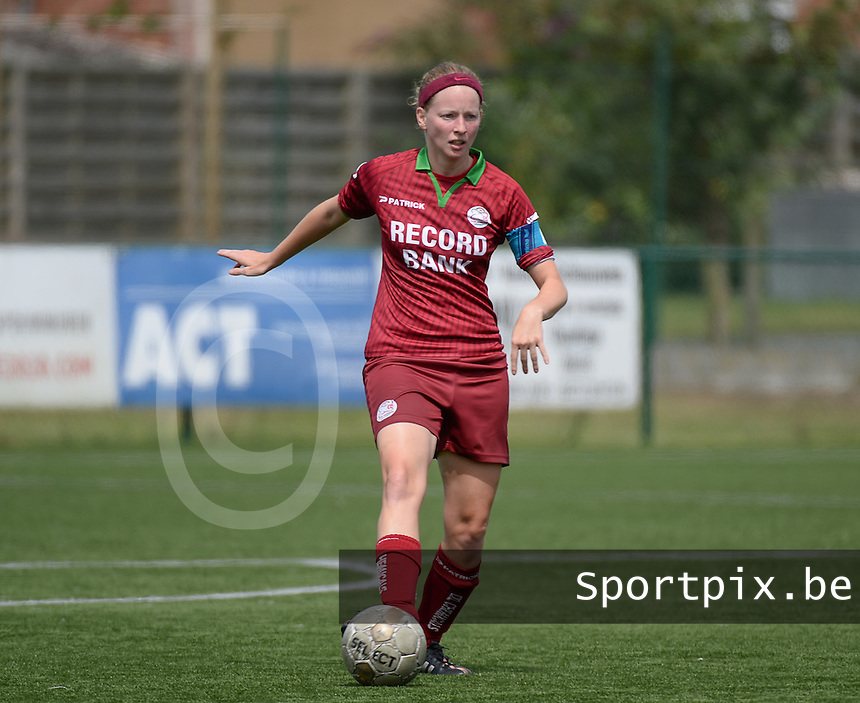 20150808 - ZULTE , BELGIUM : Zulte's Francoise Delcoigne pictured during a friendly soccer match between the women teams of Zulte-Waregem and RSC Anderlecht  , during the preparations for the 2015-2016 SUPERLEAGUE season, Saturday 8 August 2015 . PHOTO DAVID CATRY